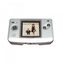 Подболтат 9. Три личности карлика-девушки, вспоминающей о Neo Geo Pocket и манящей гостей.
