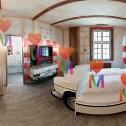 Самый необычный отель в мире - V8 Hotel. Штутгарт.