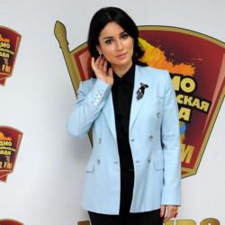 Тина Канделаки поздравила слушателей Радио «Комсомольская правда» с наступающим