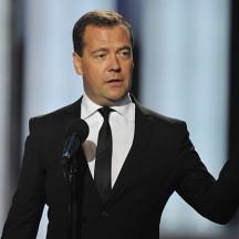 Медведев призвал вернуть доверие россиян к футболу