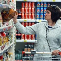 Зачем власти задумали акциз на вредную еду