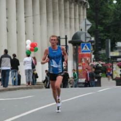 Подготовка и участие в марафоне 42 км 195 м.