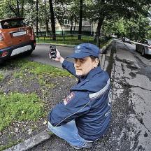 Как корреспондент КП отучил соседей парковаться на газоне