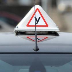 Нужно ли оборудать учебные автомобили подсветкой и большой буквой У
