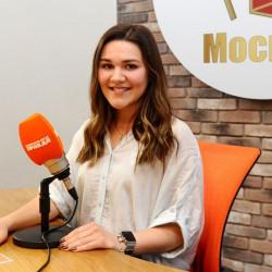 Дина Гарипова вживую спела в прямом эфире Радио «Комсомольская правда»