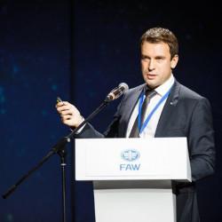 О продажах китайских автомобилей в России: интервью с Ильей Симакиным, руководителем легкового направления FAW