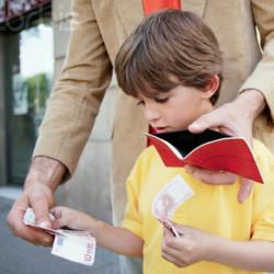 Как обучать ребёнка управлению деньгами, и с какого возраста?
