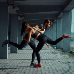 Если женщина больше не слабая, зачем её беречь?