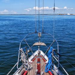 Насколько в России целесообразно иметь свое судно?