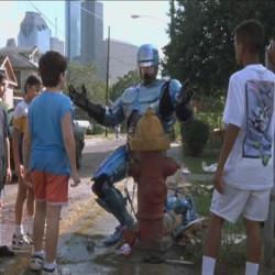 Большие Человекоподобные Роботы на страже наших границ