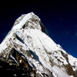 Почему высоту Эвереста исказили на 2 фута?